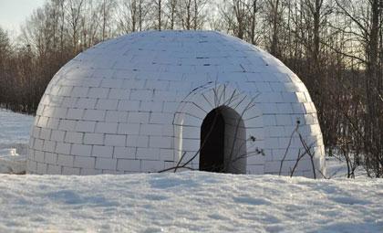 Smurfit Kappa breaks the ice with creation of life-sized cardboard igloo