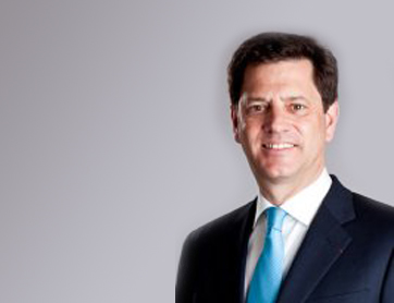 Tony Smurfit Succeeds Gary McGann as CEO of Smurfit Kappa Group