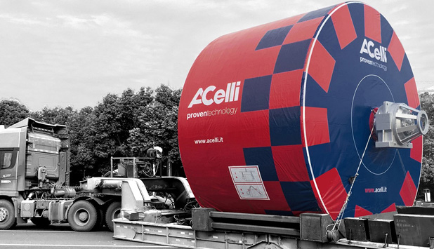 A.Celli Paper: two 18 ft IDEAL® Steel Yankees have been sent together