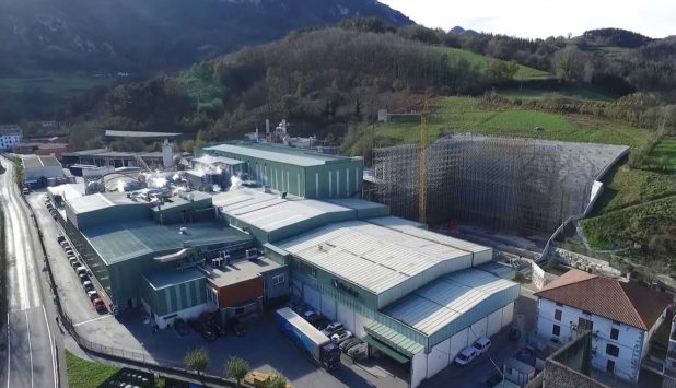 Paper machine for sustainable wet wipes by Voith and Trützschler for Papel Aralar